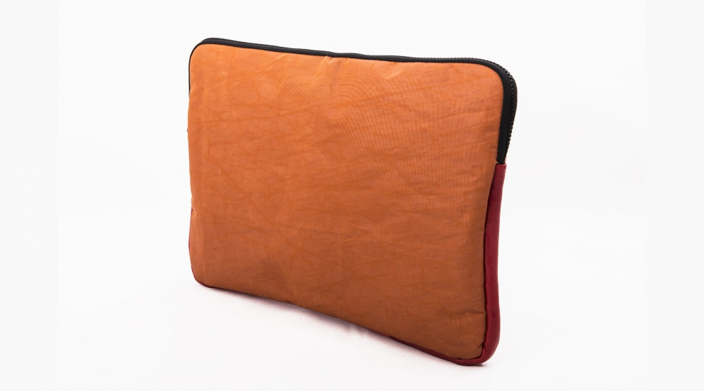 Laptop case, Rust Orange, three-quarters